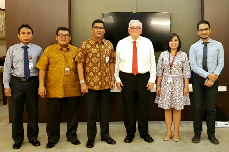 Courtesy Meeting dengan Mr. David White (International Securities Consultant)